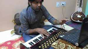 Harmonium-beginners-lessons-free-videos-Youtube-online